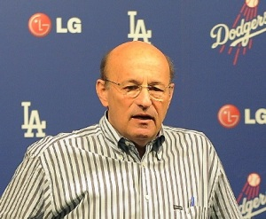 Dodger fat cat $tan Ka$ten need to get his monocle out of his ass and see how unhappy his precious fans are.